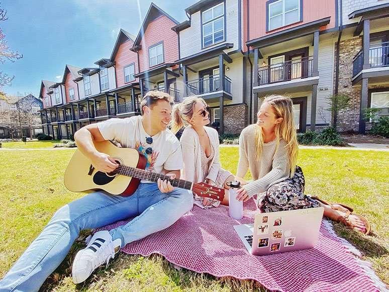usc off campus apartments
